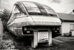 Ein Element des Transrapid 07 vor dem Besucherzentrum der TVE